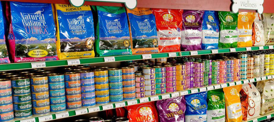 Pet Food Packaging: Store Observations